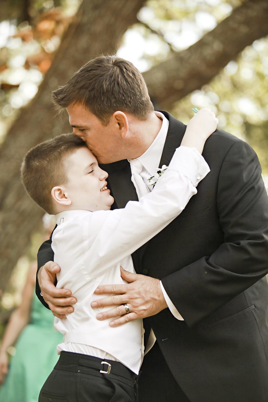 groom-453953_1280
